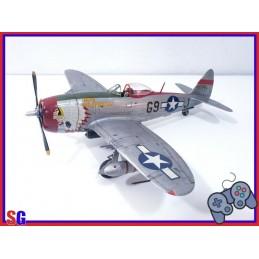 AEREO REPUBLIC P-47...